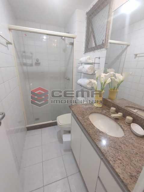 banheiro suite - Excelente Apartamento MOBILIADO com 2 quartos, suíte e vaga em Botafogo - LAAP25099 - 13