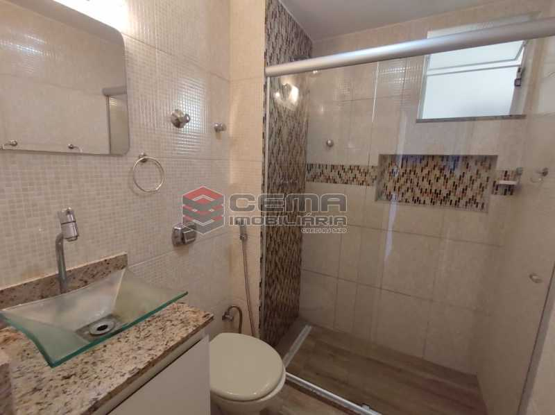 banheiro social - Excelente Apartamento 2 quartos com vaga próximo a Santa Ursula em Botafogo - LAAP25109 - 17
