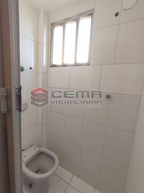 banheiro de serviço - Excelente Apartamento 2 quartos com vaga próximo a Santa Ursula em Botafogo - LAAP25109 - 26