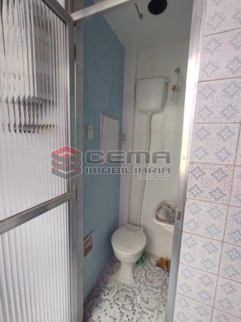 banheiro de serviço - Excelente Apartamento 2 quartos na Tijuca - LAAP25110 - 17