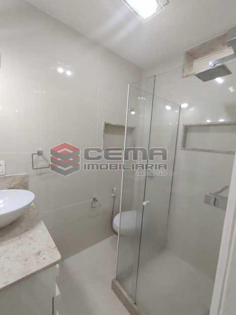 banheiro suite - Apartamento 2 quartos para venda e aluguel Copacabana, Zona Sul RJ - R$ 2.400 - LAAP25118 - 13