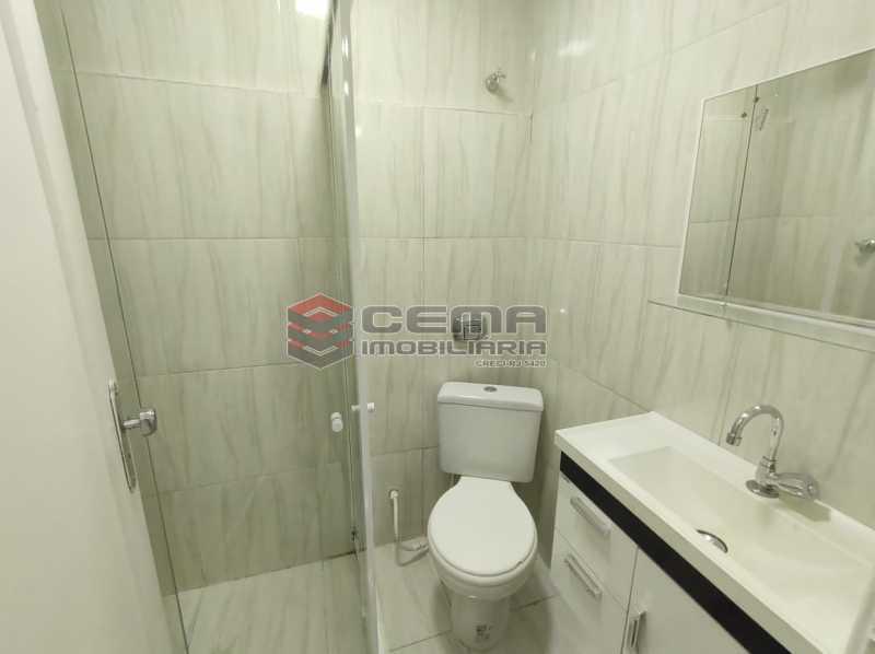 banheiro - Lindo conjugado reformadíssimo em Copacabana - LAKI01387 - 9