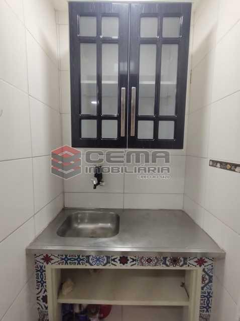 cozinha - Reformadíssimo conjugado em Copacabana - LAKI01388 - 11