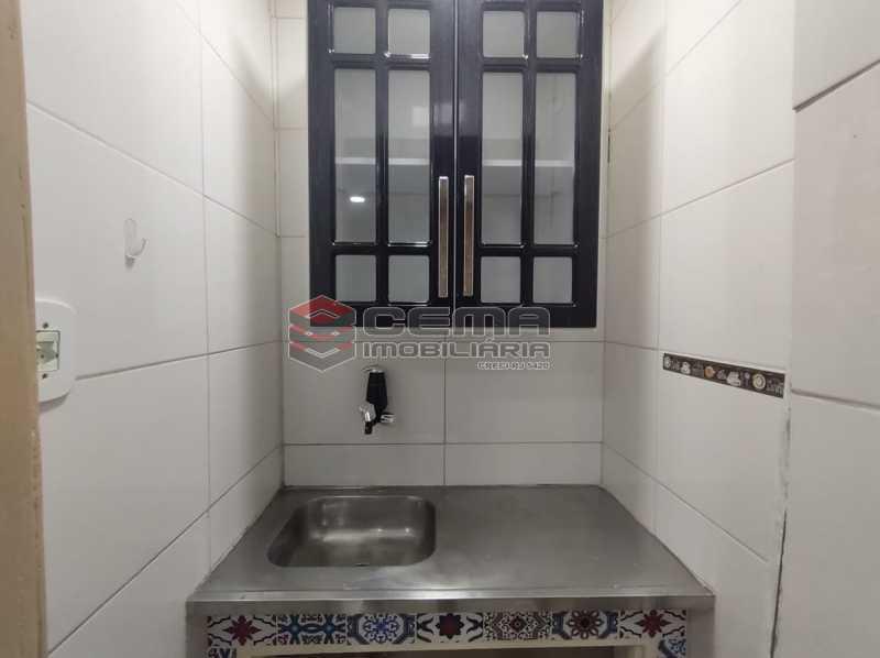 cozinha - Reformadíssimo conjugado em Copacabana - LAKI01388 - 12