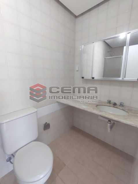 banheiro suite - BOTAFOGO. Quarto e Sala com Vaga de Garagem e INFRA-ESTRUTURA - LAFL10077 - 13