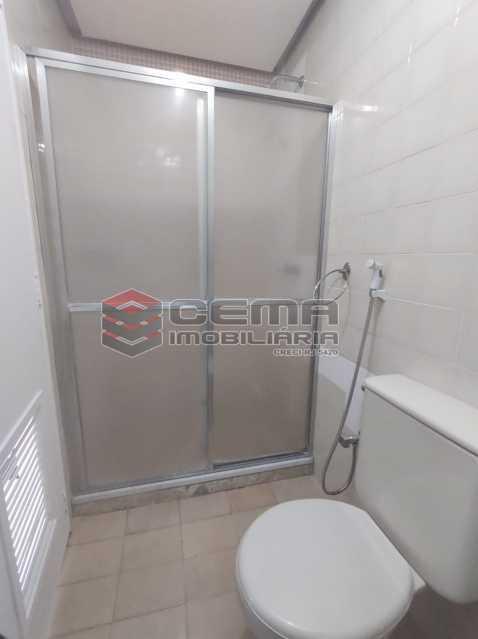 banheiro suite - BOTAFOGO. Quarto e Sala com Vaga de Garagem e INFRA-ESTRUTURA - LAFL10077 - 12