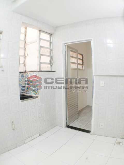 Cozinha / área de serviço. - Quarto e sala na Praia de Botafogo!!! - LAAP12900 - 15