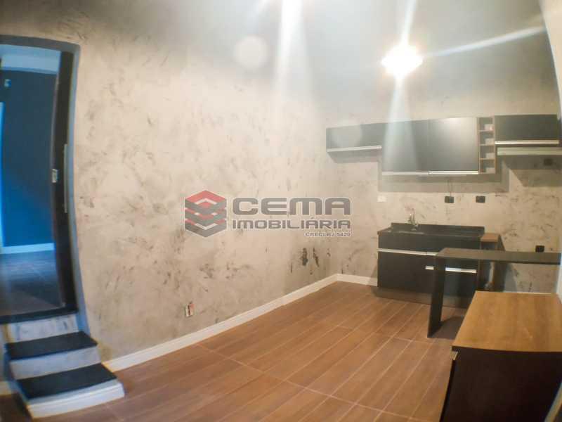 Sala com cozinha americana - Apartamento 1 quarto para alugar Laranjeiras, Zona Sul RJ - R$ 1.700 - LAAP12920 - 3
