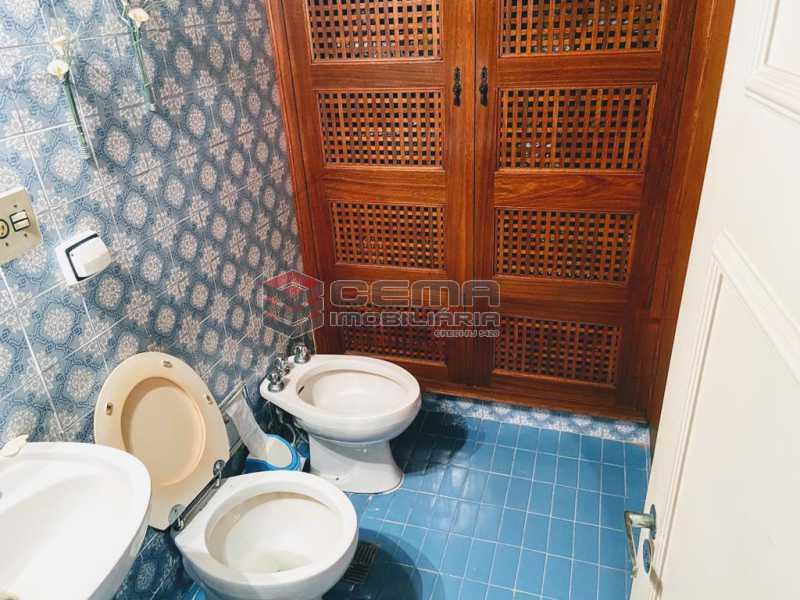 banheiro social - Excelente Apartamento 2 quartos com suite e vaga no Leblon - LAAP25224 - 8