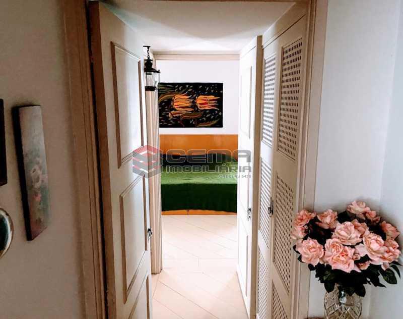 corredor - Excelente Apartamento 2 quartos com suite e vaga no Leblon - LAAP25224 - 4