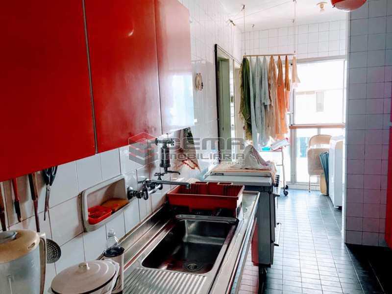cozinha - Excelente Apartamento 2 quartos com suite e vaga no Leblon - LAAP25224 - 9