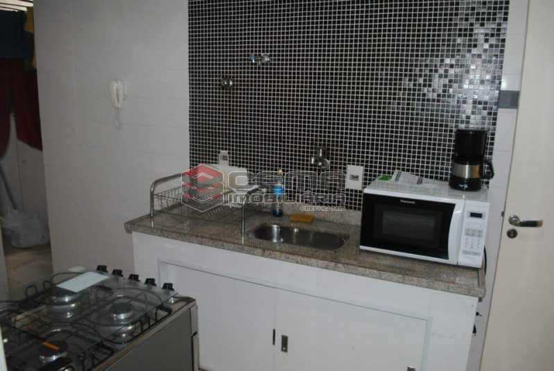 cozinha - Excelente Apartamento 3 quartos MOBILIADO com vaga em Copacabana - LAAP34459 - 13