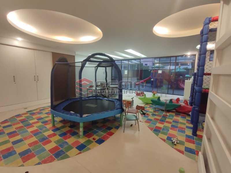 brinquedoteca - Excepcional Apartamento 2 quartos com suíte e vaga em Laranjeiras - LAAP25232 - 5
