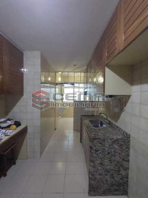 cozinha - Excepcional Apartamento 2 quartos com suíte e vaga em Laranjeiras - LAAP25232 - 24