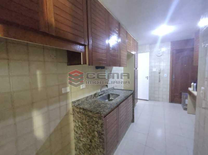 cozinha - Excepcional Apartamento 2 quartos com suíte e vaga em Laranjeiras - LAAP25232 - 23