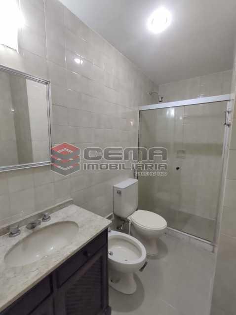 banheiro suite - Excepcional Apartamento 2 quartos com suíte e vaga em Laranjeiras - LAAP25232 - 15