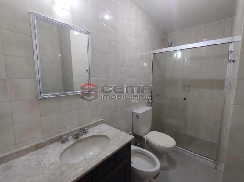 banheiro suite - Excepcional Apartamento 2 quartos com suíte e vaga em Laranjeiras - LAAP25232 - 16