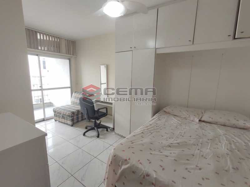 quarto - Flat Residencial com serviços e vaga MOBILIADO - LAFL10079 - 7
