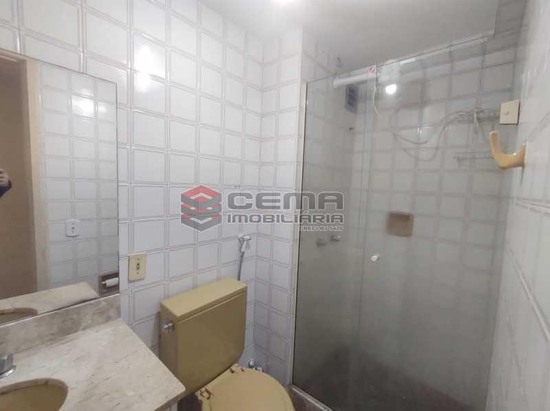 banheiro social - Flat Residencial com serviços e vaga MOBILIADO - LAFL10079 - 12