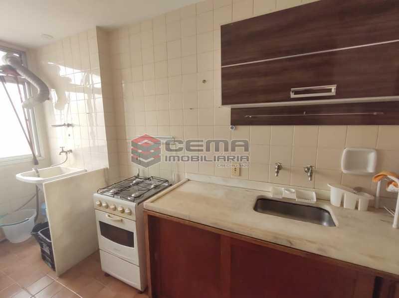 cozinha - Flat Residencial com serviços e vaga MOBILIADO - LAFL10079 - 13