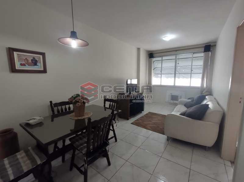 sala - Flat Residencial com serviços e vaga MOBILIADO - LAFL10079 - 4