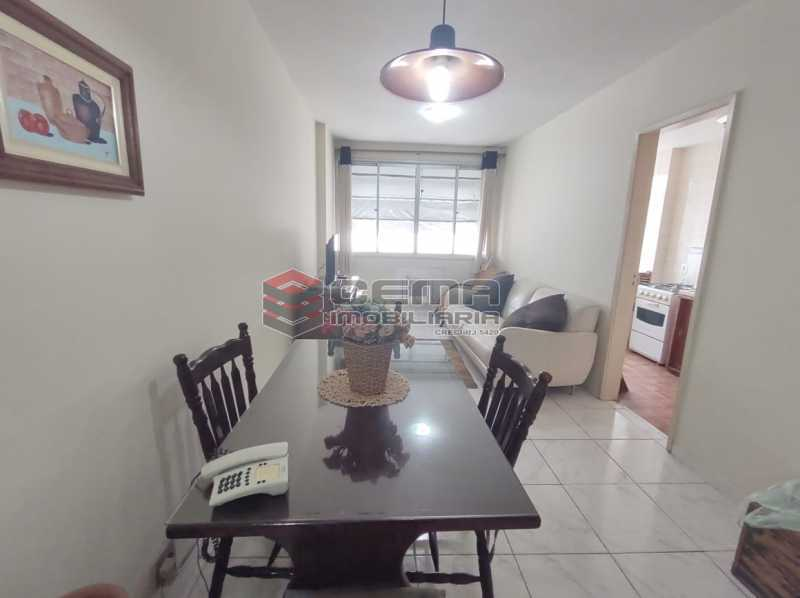 sala - Flat Residencial com serviços e vaga MOBILIADO - LAFL10079 - 3
