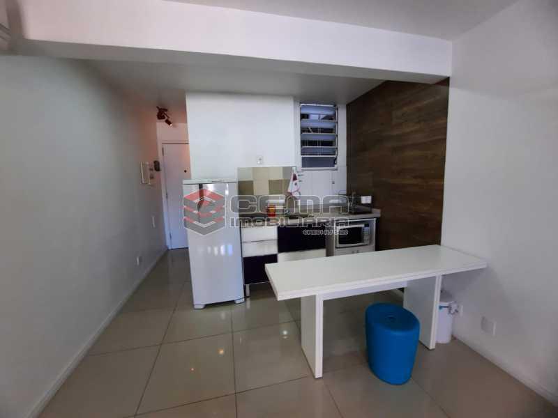 cozinha - Excelente conjugado MOBILIADO no Centro - LAKI10415 - 8