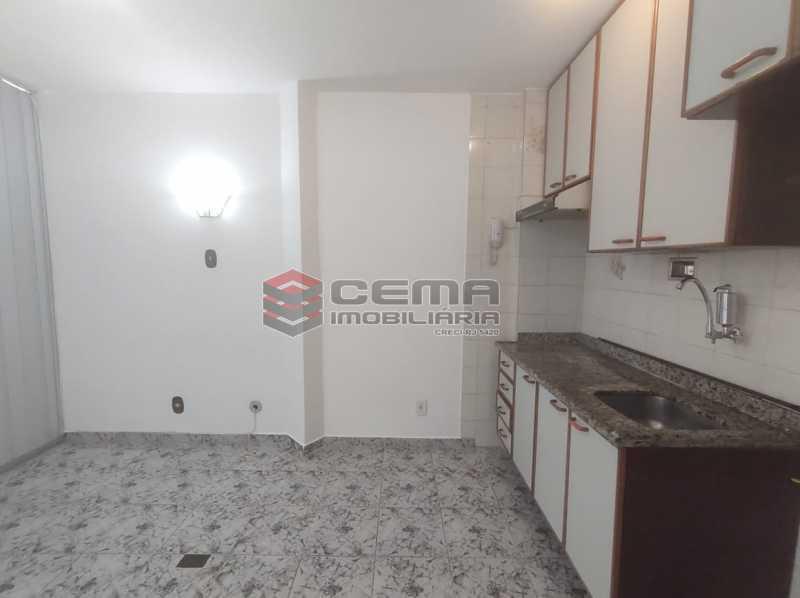 sala/cozinha - Excelente Conjugado com Vaga no FLAMENGO - LAKI10421 - 13