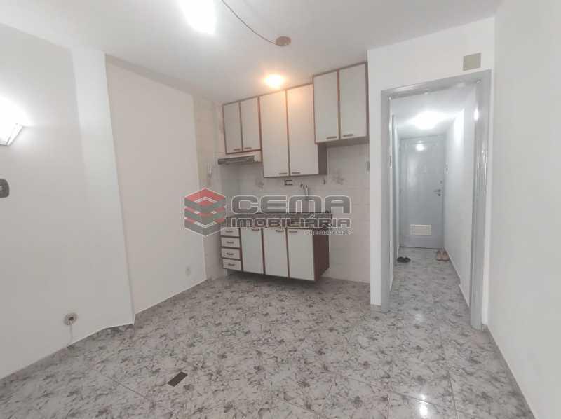 sala/cozinha - Excelente Conjugado com Vaga no FLAMENGO - LAKI10421 - 12