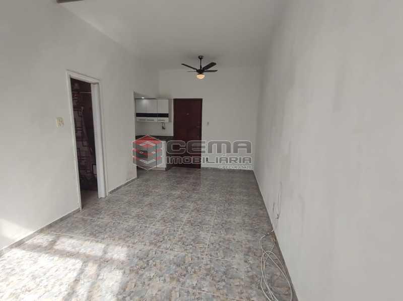 sala/quarto - Excelente conjugado em Laranjeiras - LAKI10420 - 5