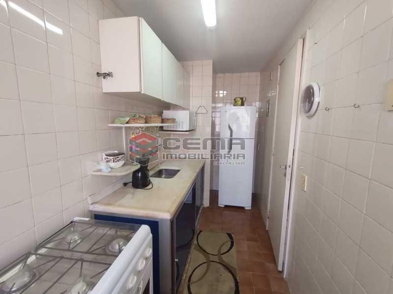 cozinha - Excelente Flat MOBILIADO no Centro - LAFL10081 - 13