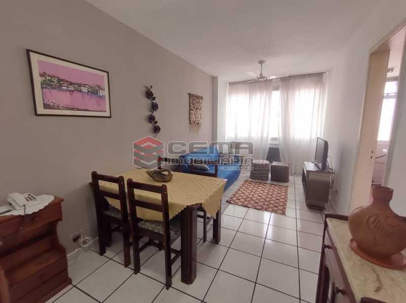 sala - Excelente Flat MOBILIADO no Centro - LAFL10081 - 1
