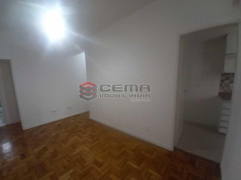 WhatsApp Image 2021-06-17 at 0 - Alugo quarto e sala reformado Botafogo - LAAP13020 - 12