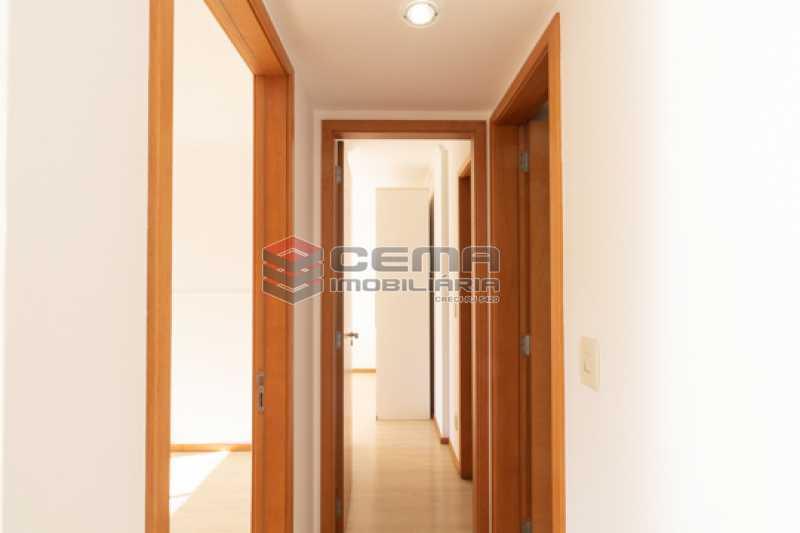 corredor - Quartier Carioca. Apartamento 3 quartos com suíte e vaga no Catete - LAAP34624 - 7