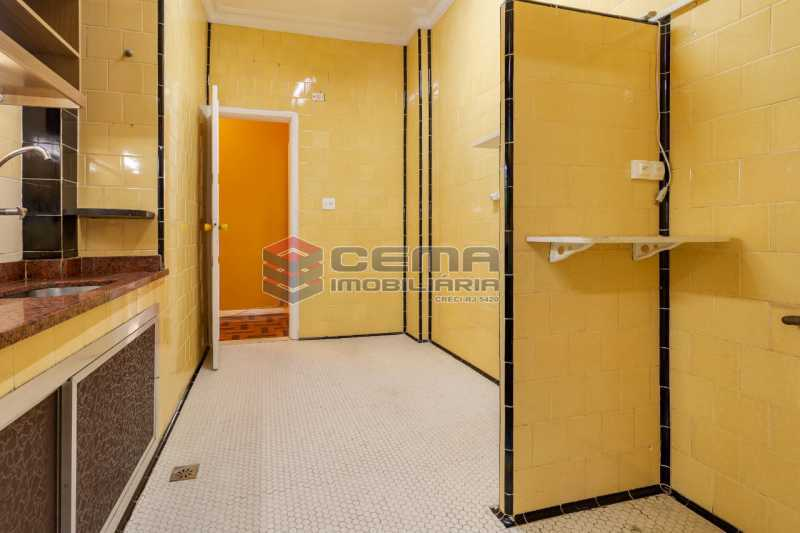 cozinha - Excelente oportunidade, na Rua Leopoldo Miguez, 3 quartos com vaga em Copacabana - LAAP34628 - 12