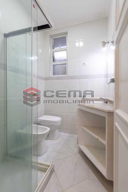 banheiro social 1 - Excelente oportunidade, na Rua Leopoldo Miguez, 3 quartos com vaga em Copacabana - LAAP34628 - 10