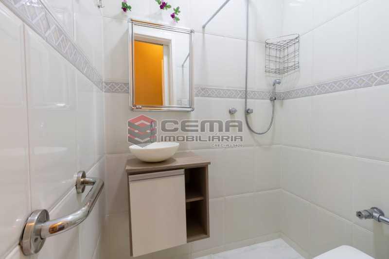 banheiro social 2 - Excelente oportunidade, na Rua Leopoldo Miguez, 3 quartos com vaga em Copacabana - LAAP34628 - 11