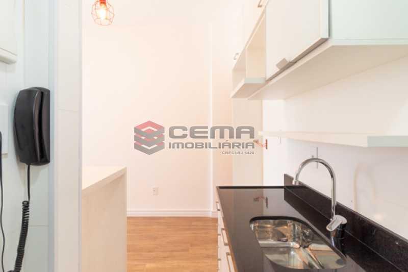 cozinha - Excelente Apartamento Quarto e sala reformadíssimo no Flamengo - LAAP13125 - 11