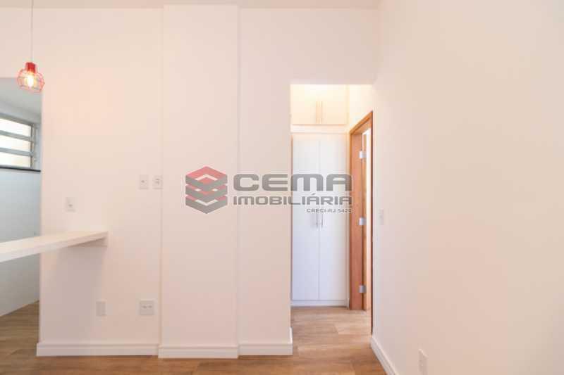 sala - Excelente Apartamento Quarto e sala reformadíssimo no Flamengo - LAAP13125 - 8