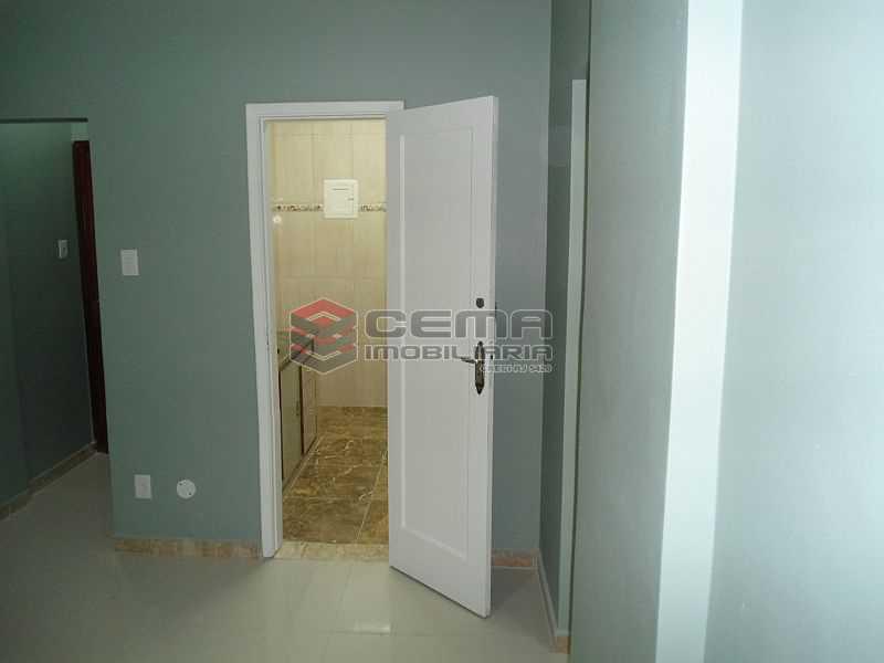 sala 02 - Apartamento à venda Rua Pedro Américo,Catete, Zona Sul RJ - R$ 460.000 - LA23858 - 7