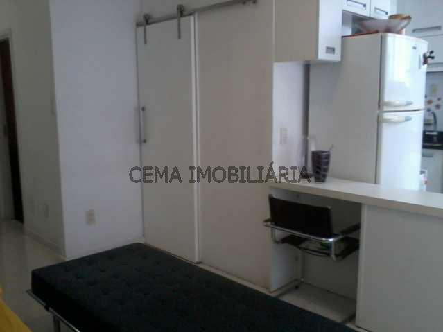 sala com a cozinha - Apartamento à venda Rua Barão do Flamengo,Flamengo, Zona Sul RJ - R$ 570.000 - LAAP10084 - 12