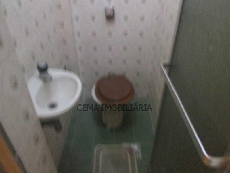 Banheiro de serviço - LAAP21073 VENDO EXCELENTE APARTAMENTO 2 QUARTOS NA PRAIA DO FLAMENGO - LAAP21073 - 22