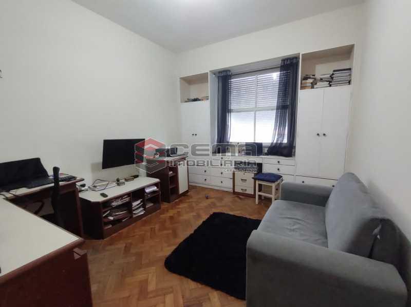 QUARTO2 - Apartamento 3 quartos (com suite), Humaitá, Localização privilegiada, a 2 minutos da Lagoa, Jardim Botânico e Parque Laje. - LA33414 - 12