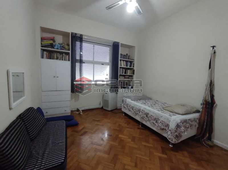 QUARTO3 - Apartamento 3 quartos (com suite), Humaitá, Localização privilegiada, a 2 minutos da Lagoa, Jardim Botânico e Parque Laje. - LA33414 - 15
