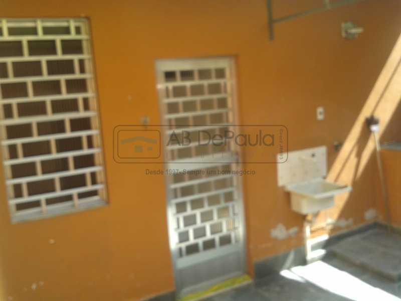 13 - REALENGO - São Duas Casas no mesmo Terreno. Casa frente Duplex com Garagem Coberta - ABCA30086 - 14