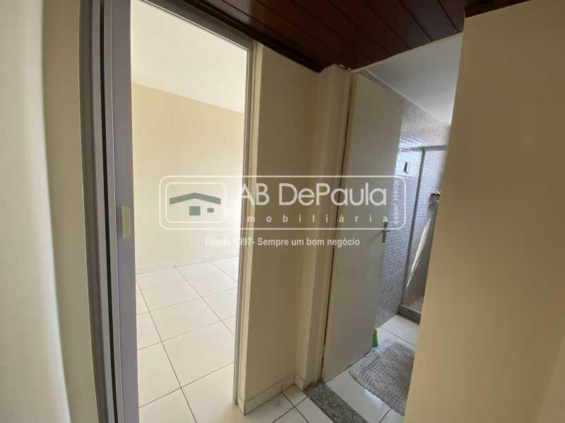 HALL BANHEIRO - REALENGO - EXCELENTE Apartamento Reformadíssimo - ABAP20339 - 11