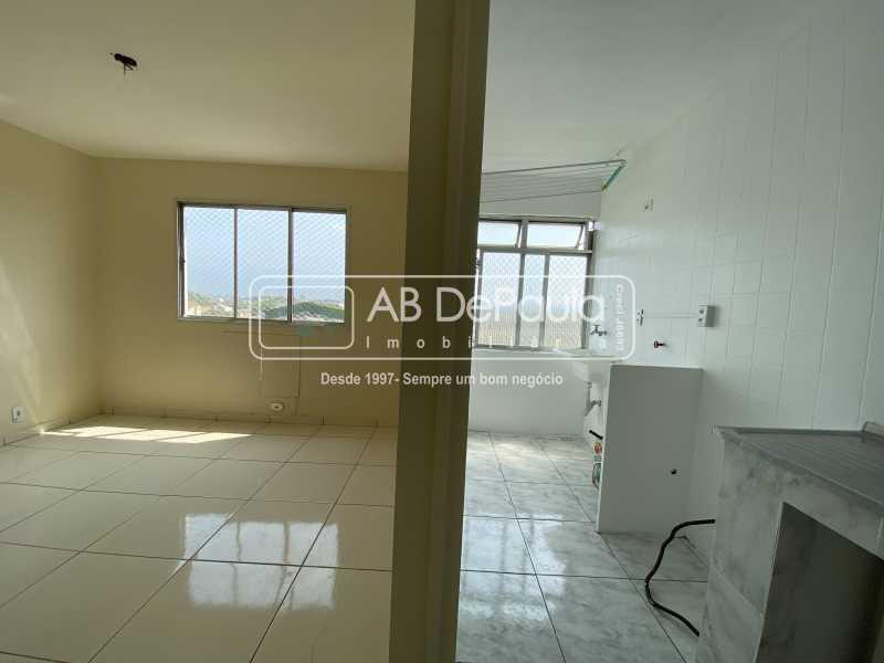 SALA E COZINHA - REALENGO - EXCELENTE Apartamento Reformadíssimo - ABAP20339 - 14