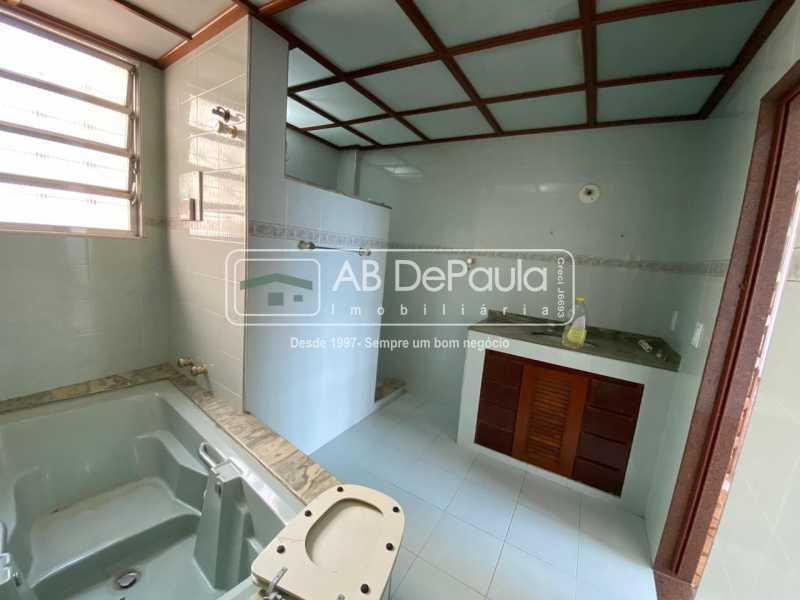 BANHEIRO SUÍTE - Realengo - Excelente casa 3 Dormitórios (1 Suíte), amplo quinta. - ABCA30108 - 26