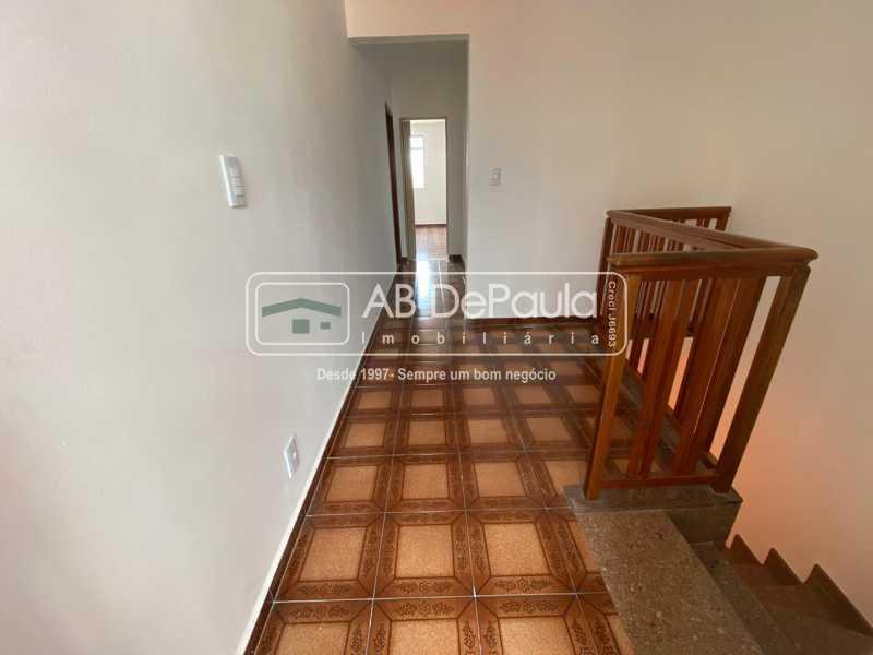 CORREDOR 2º ANDAR - Realengo - Excelente casa 3 Dormitórios (1 Suíte), amplo quinta. - ABCA30108 - 15