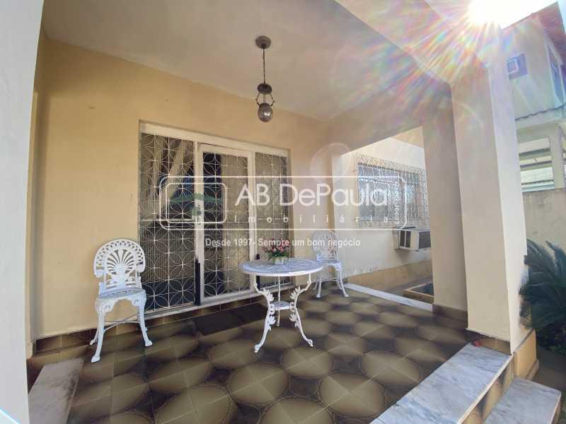 VARANDA - REALENGO - Excelente CASA LINEAR com amplo terreno. Composta por: ampla sala, 03 dormitórios - ABCA30140 - 4